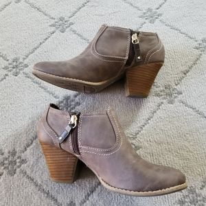 • Dr. Scholl's Ankle Boots •